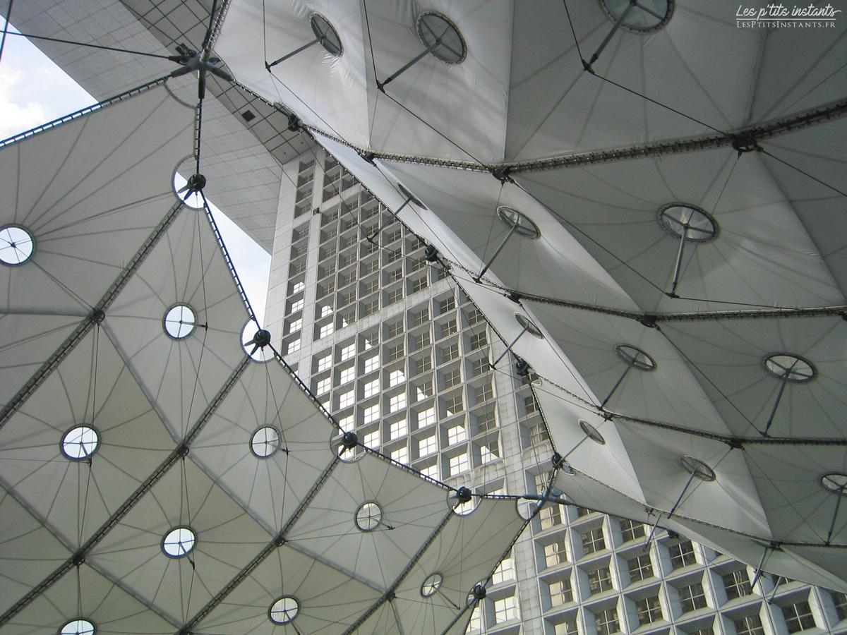 Sous la Grande Arche, La Défense