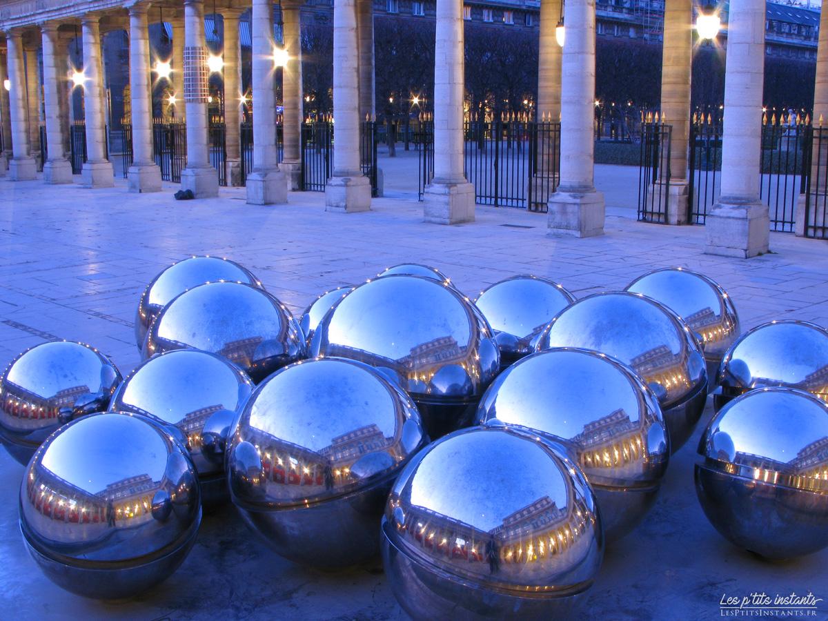 Les Fontaines Sphérades au Palais-Royal