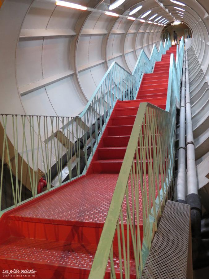 Escalier des sphères de l'Atomium de Bruxelles #4