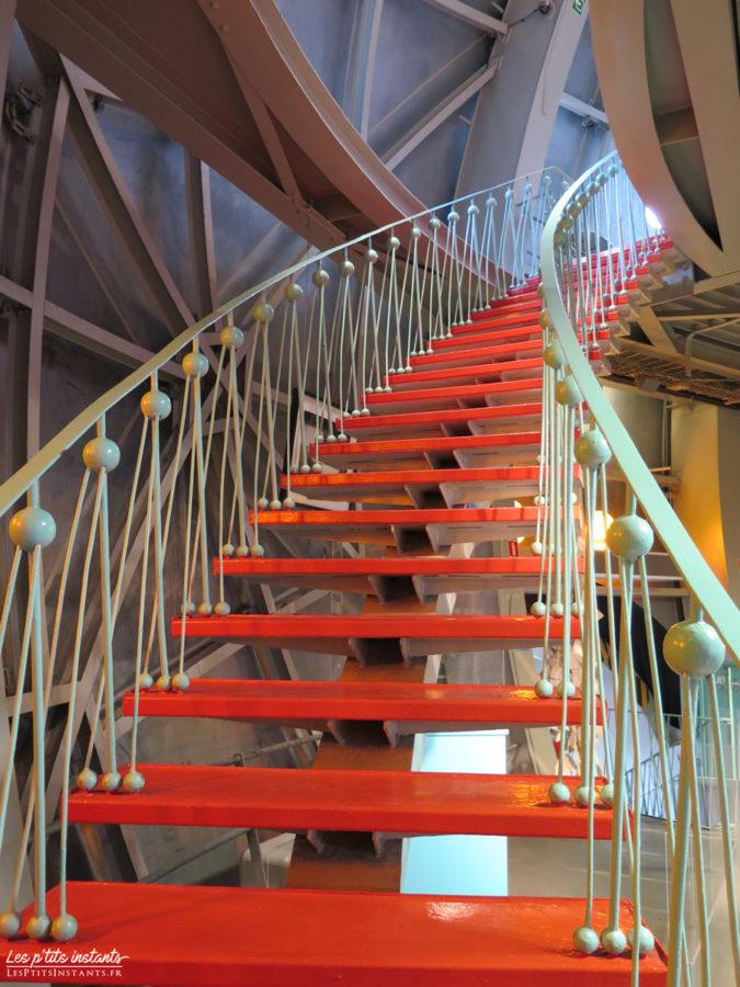 Escalier des sphères de l'Atomium de Bruxelles #2