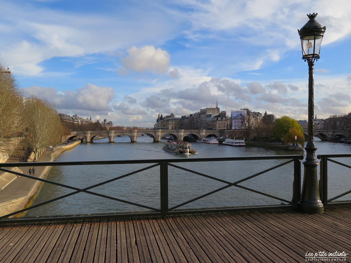 Le Pont Neuf, au loin, depuis le Pont des Arts