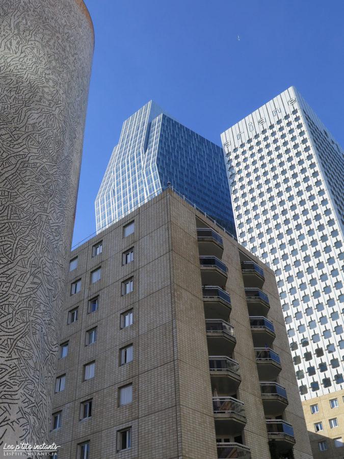 Les tours Majunga et Ariane (à l'arrière-plan), La Défense
