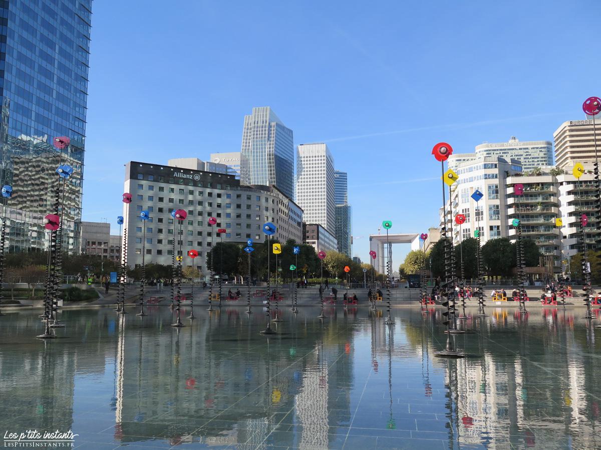 Le bassin de Takis et l'Esplanade de La Défense